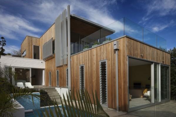 casa_madera_vidrio_moderna